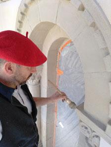 Restauration et application de badigeons de chaux et eaux fortes Sur les fenêtres